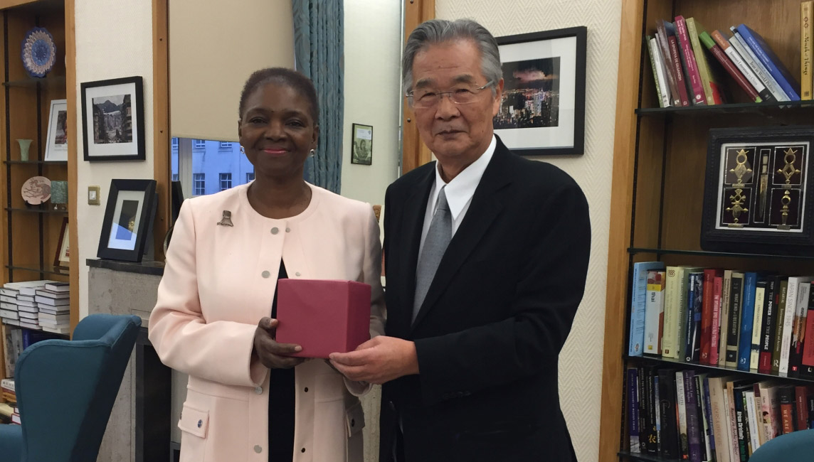 Baroness Valerie Amos学長と長田理事長