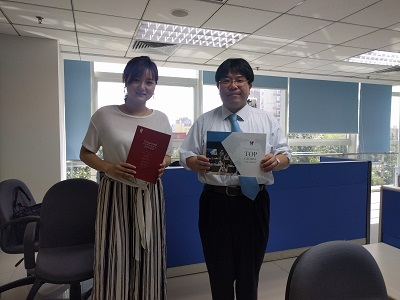 Director Prof. Komami (right) and Manager Ms. Bian (left)