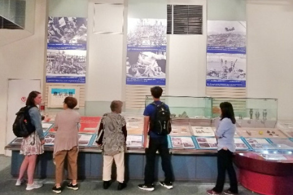AU Home Students visit the Kyoto Museum for World Peace