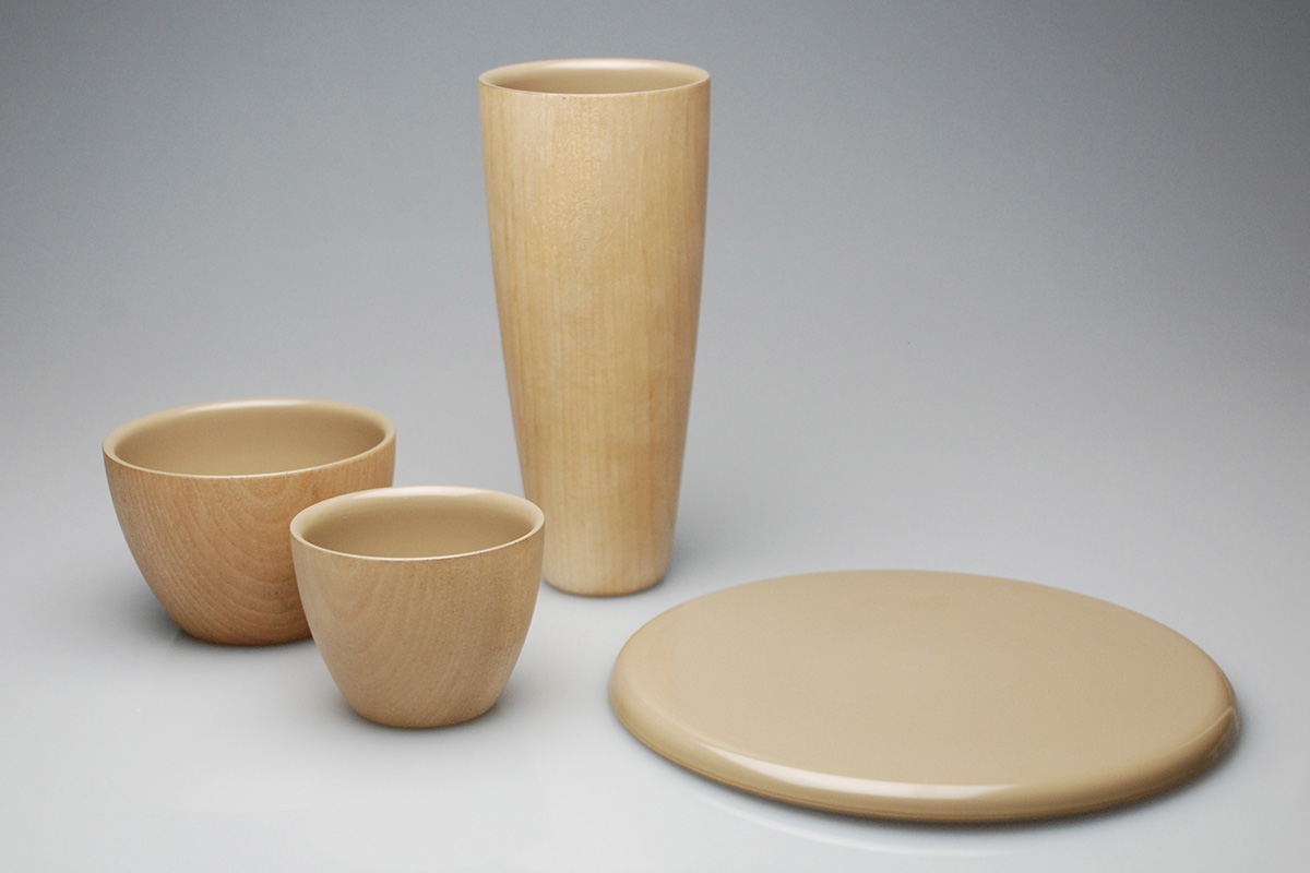 Hikone lacquer cups and plates